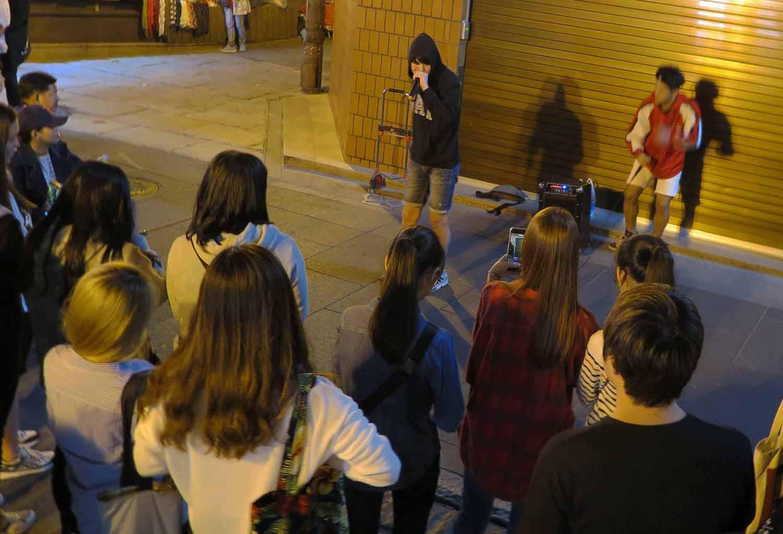 Korea-Seoul-Street-Scenes-Rappers