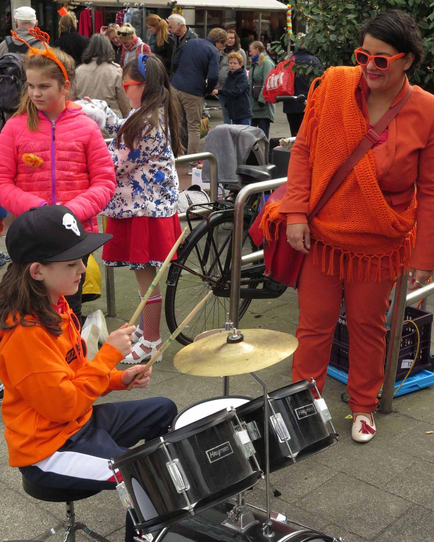 Netherlands-Amsterdam-Kings-Day-2018-Drummer-Girl