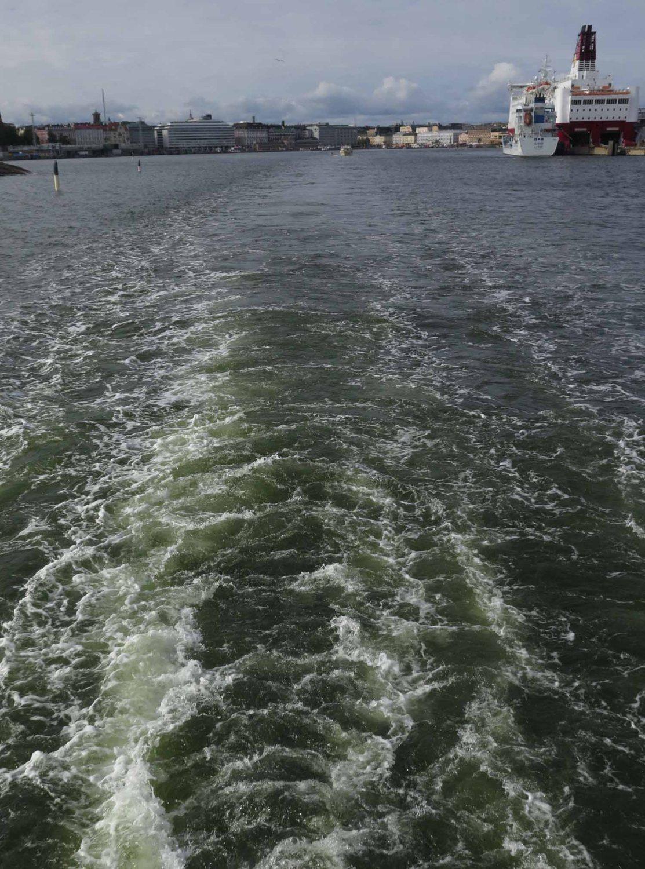Finland-Helsinki-Suomenlinna-Ferry-Wake