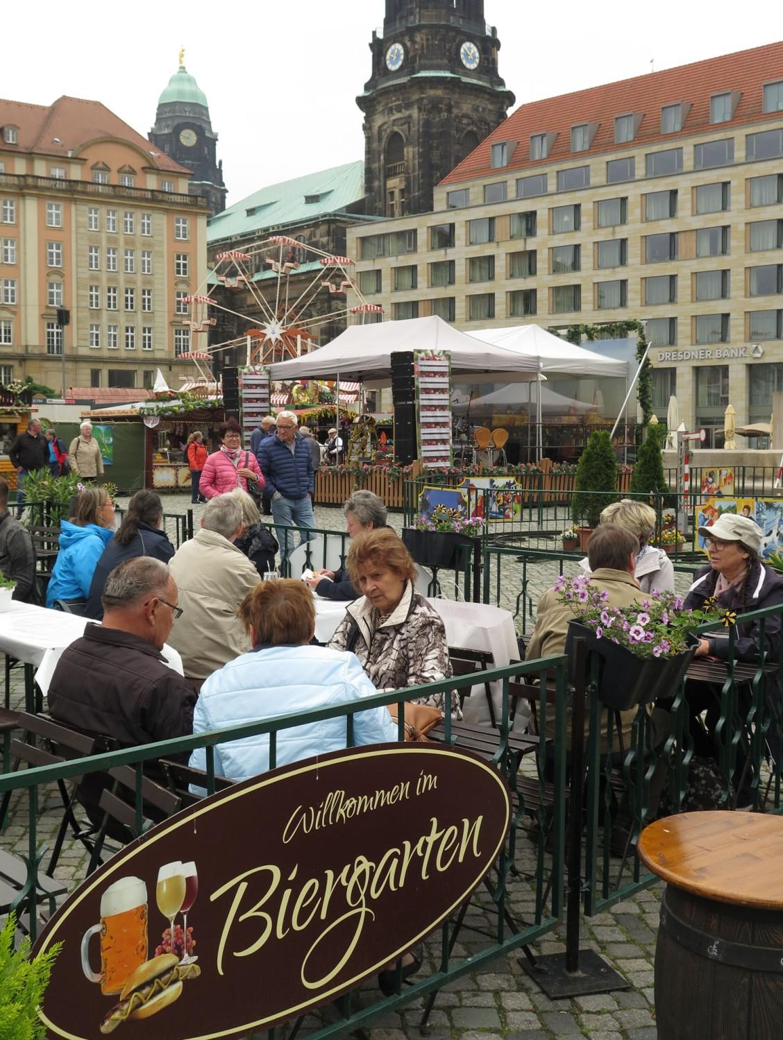 germany-dresden-biergarten