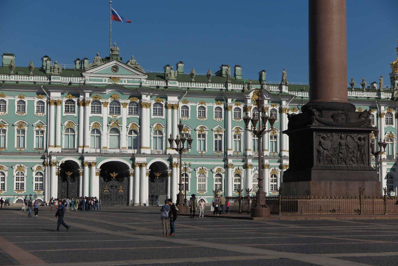 Russia-Saint-Petersburg-Hermitage-Exterior