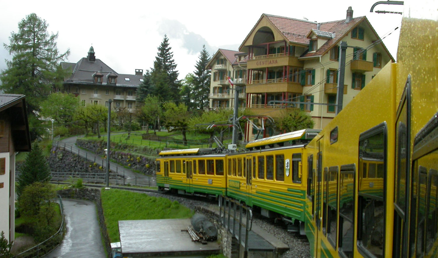 Switzerland-Bernese-Oberland-Train-Grindelwald-To-Lauterbrunnen