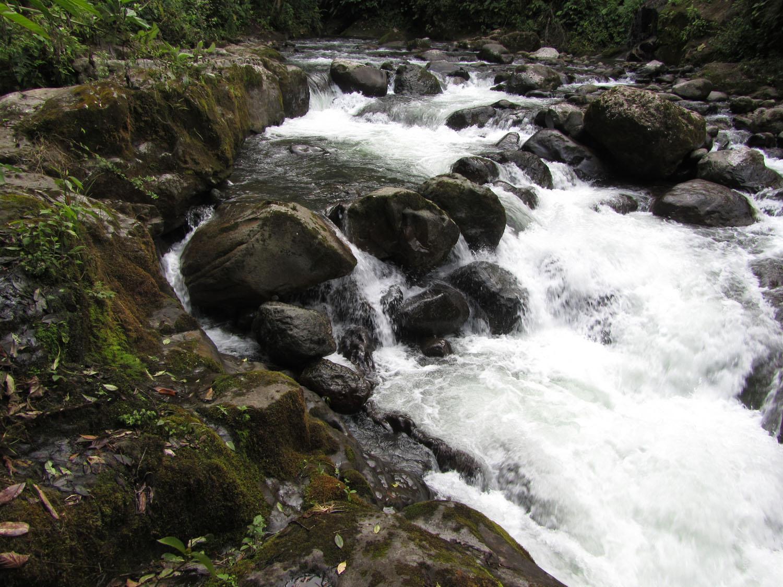 Ecuador-Countryside-Mindo-Rio