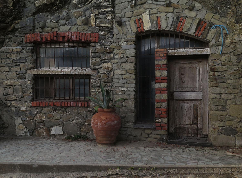Italy-Cinque-Terre-Street-Scenes-Stone-Front