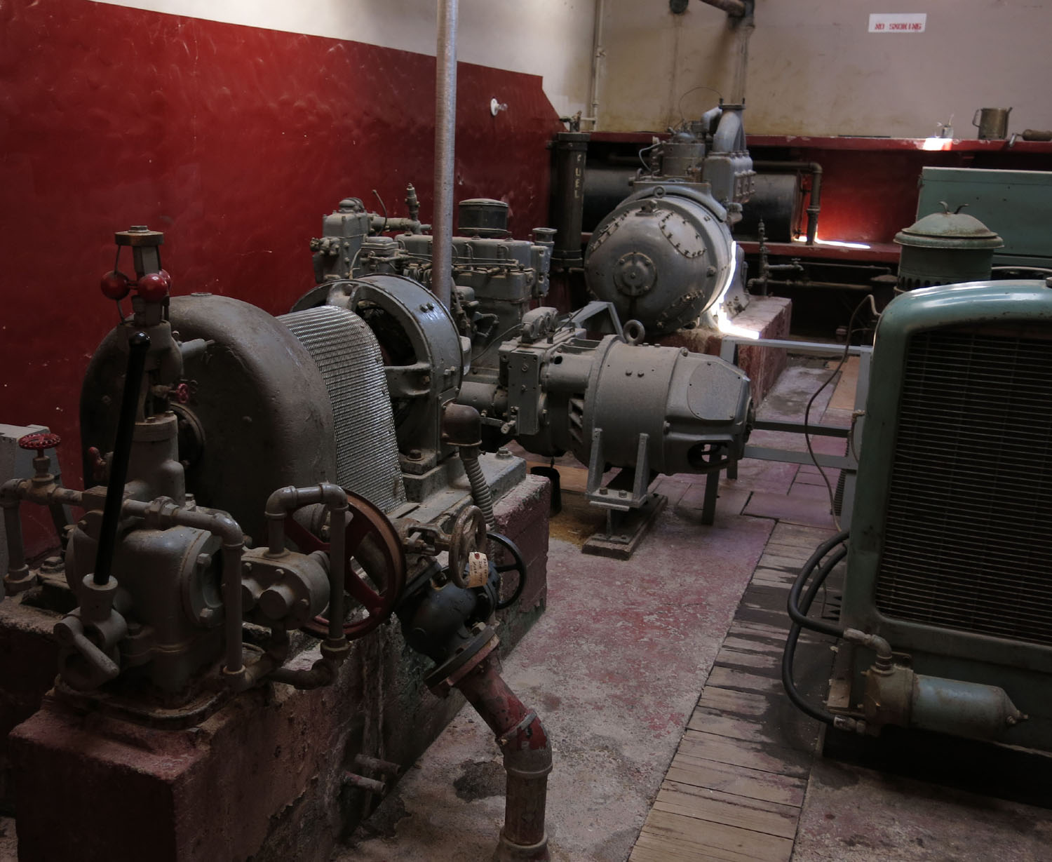 Death-Valley-Scottys-Castle-Power-Plant