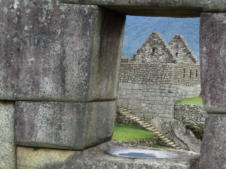 Peru-Machu-Picchu-Window
