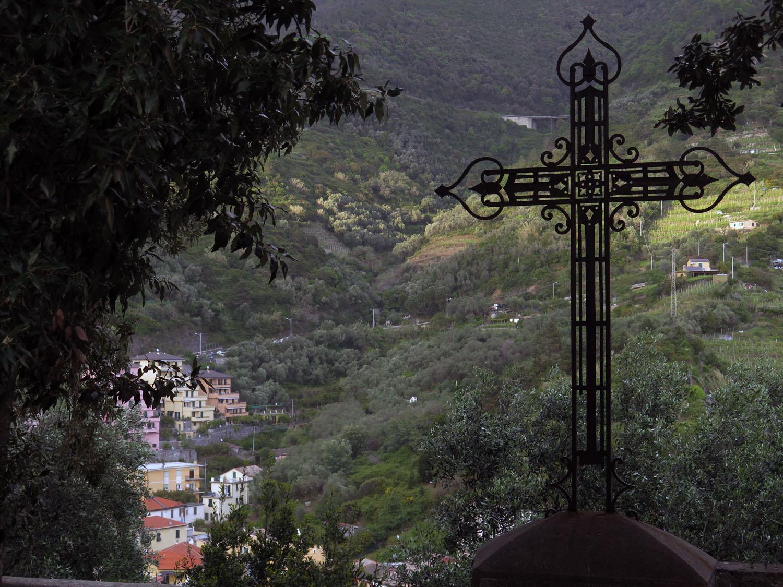 Italy-Cinque-Terre-Street-Scenes-Cross
