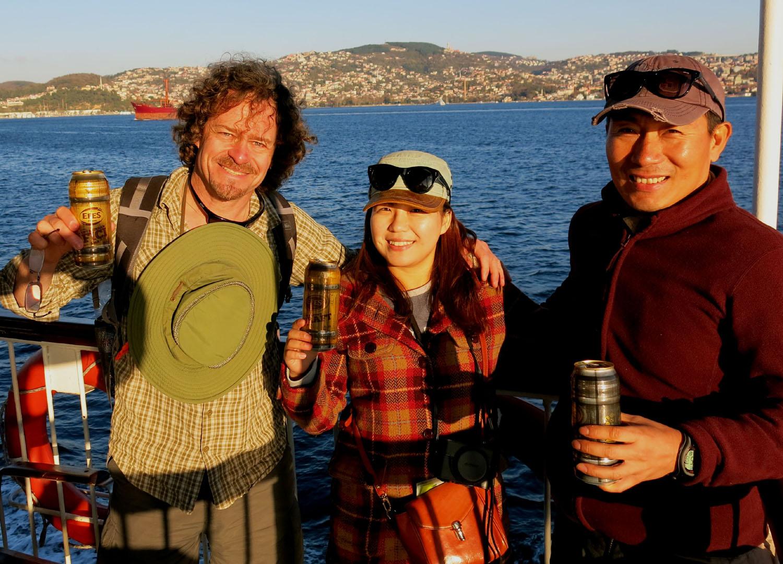 Turkey-Bosphorus-Friends-Beer