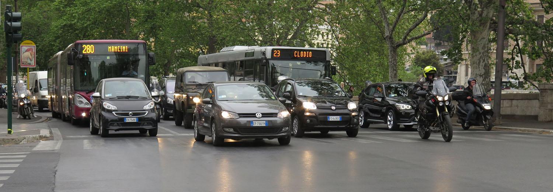 Italy-Rome-Street-Scenes-Vehicles