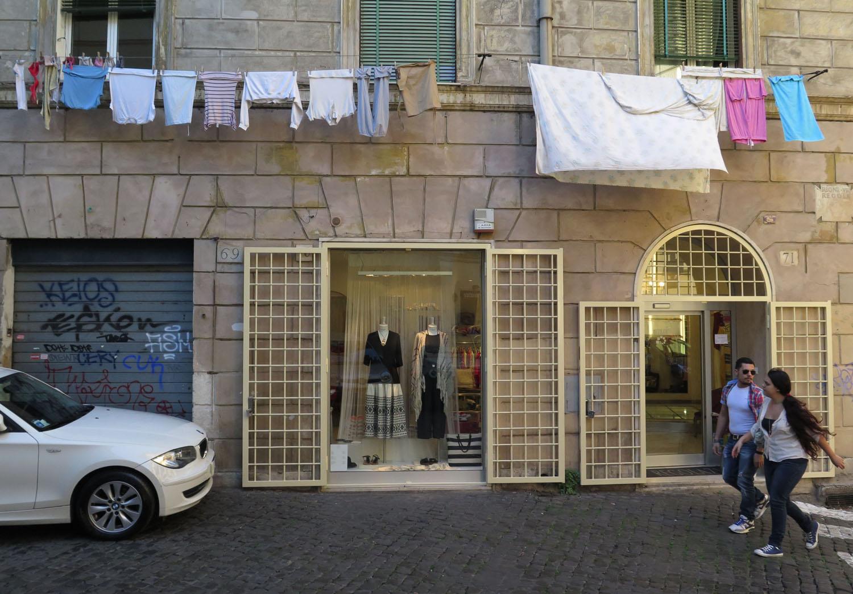 Italy-Rome-Street-Scenes-Laundry