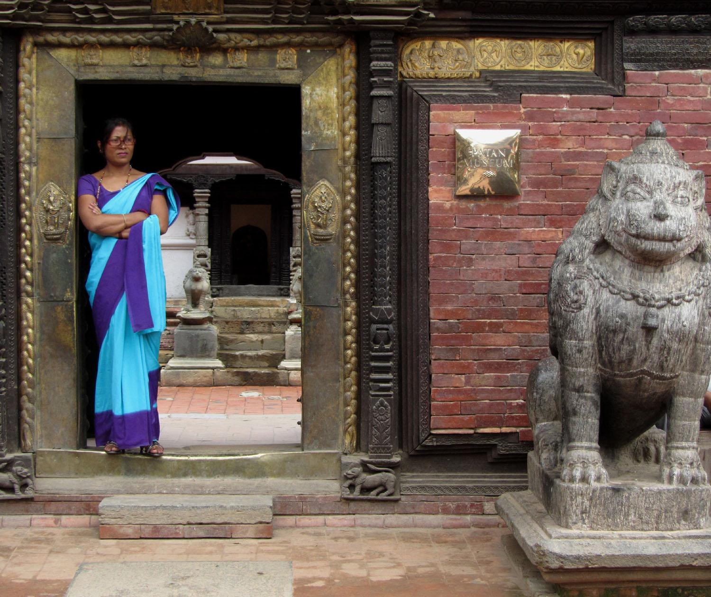 Nepal-Patan-Woman-Door