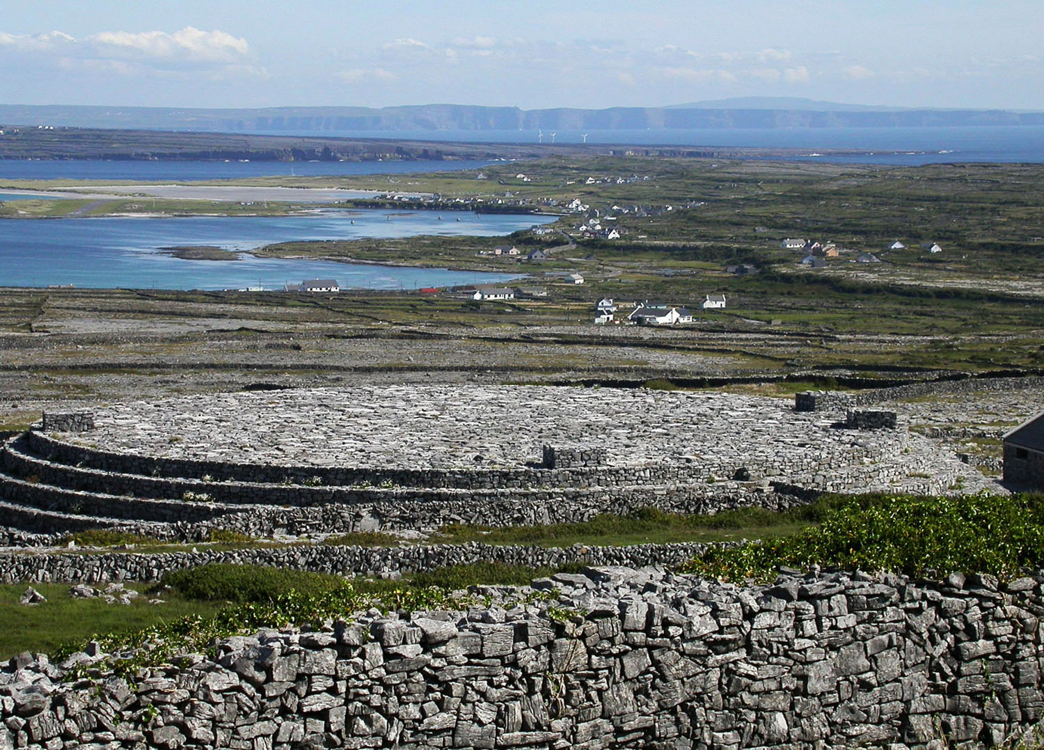 Ireland-Sights-And-Scenery-Aran-Islands-Inishmore-Black-Fort