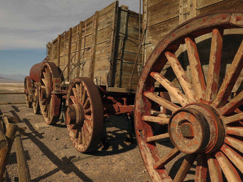 Death-Valley-Harmony-Borax-Works-Wagons