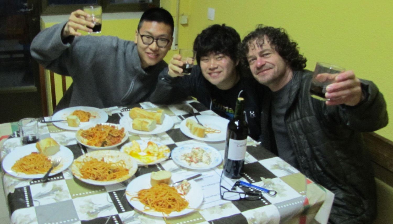 Camino-De-Santiago-People-Supper
