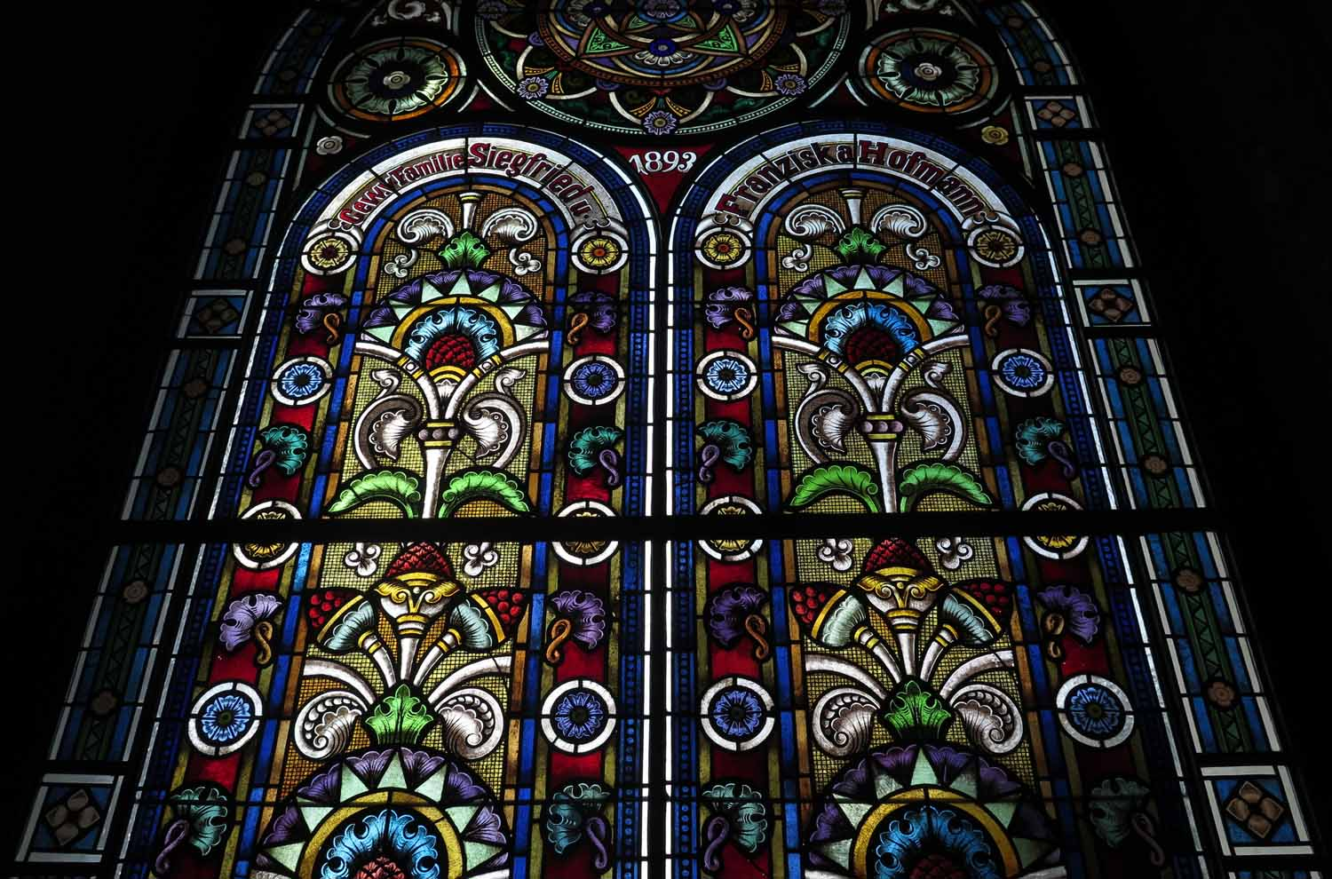 czech-republic-plzen-synagogue-stained-glass
