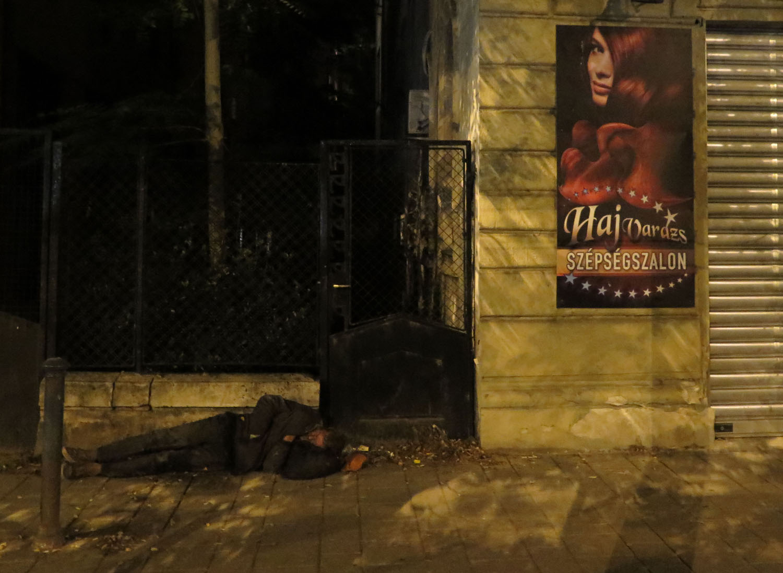 hungary-budapest-street-scenes-homeless