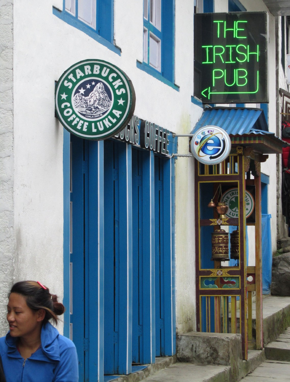 Nepal-Everest-Region-Trek-Day-09-Lukla-Starbucks
