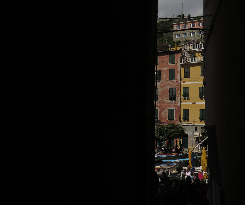 Italy-Cinque-Terre-Street-Scenes-Dark-Alley