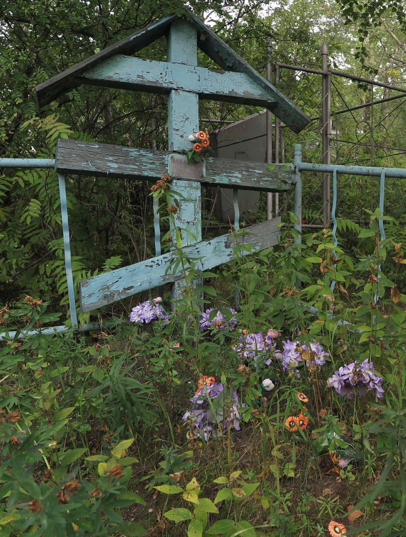 Russia-Trans-Siberian-Railway-Irkutsk-Cemetery