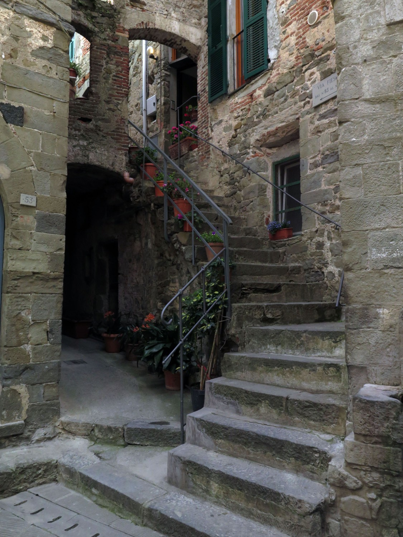 Italy-Cinque-Terre-Street-Scenes-Steps