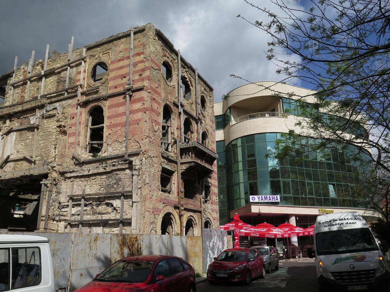 Bosnia-Mostar-Street-Scenes-Old-New