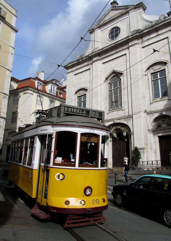 Portugal-Lisbon-Street-Scene-Trolley