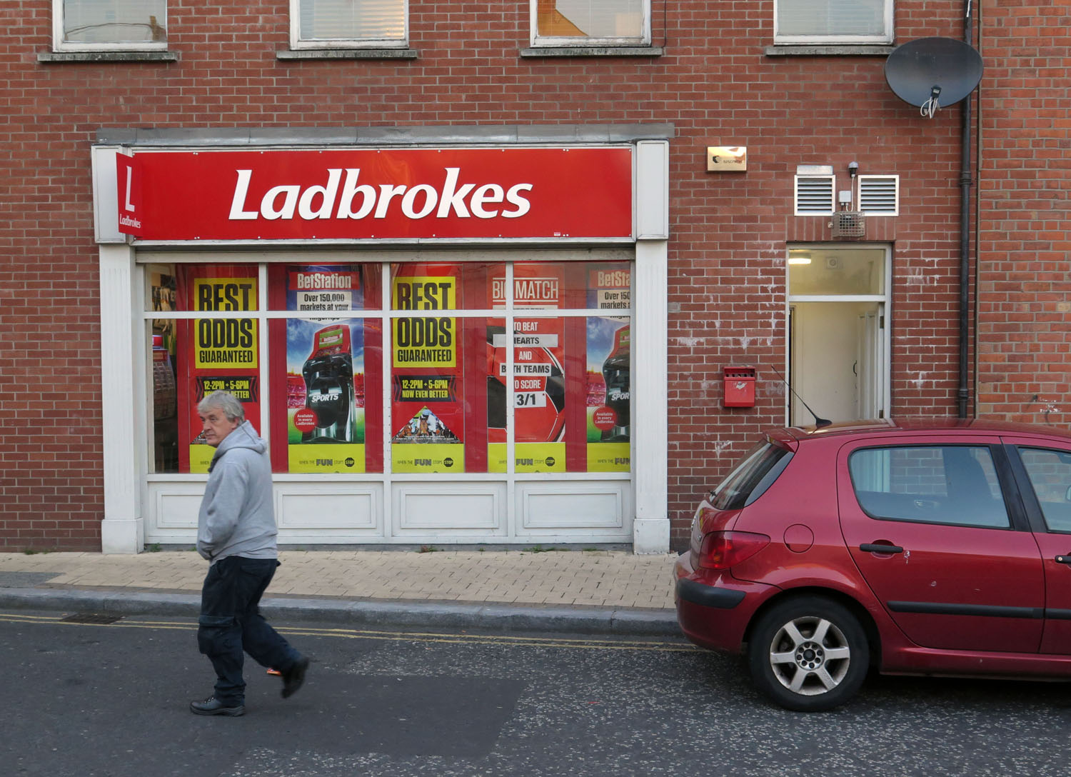 Northern-Ireland-Derry-Londonderry-Street-Scenes-Bookmaker