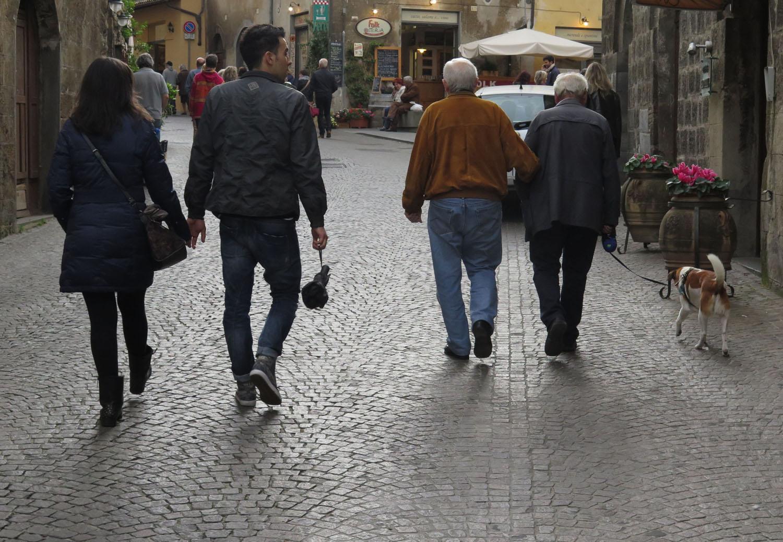 Italy-Orvieto-Street-Scenes-Passeggiata