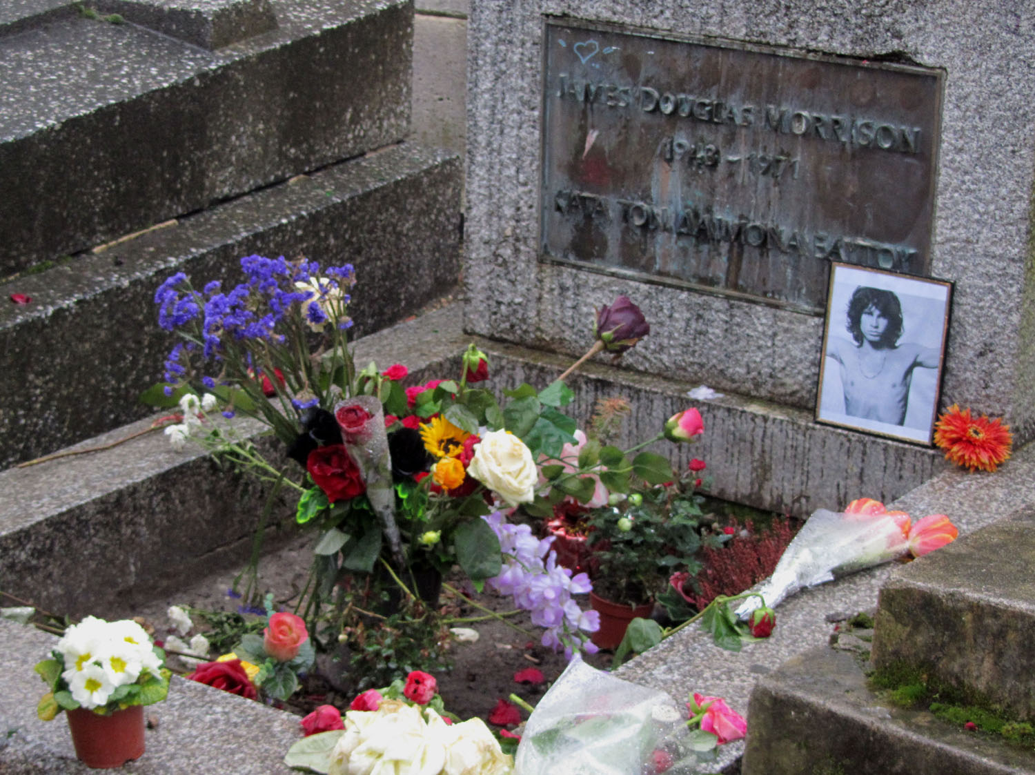 France-Paris-Pere-Lachaise-Jim-Morrison