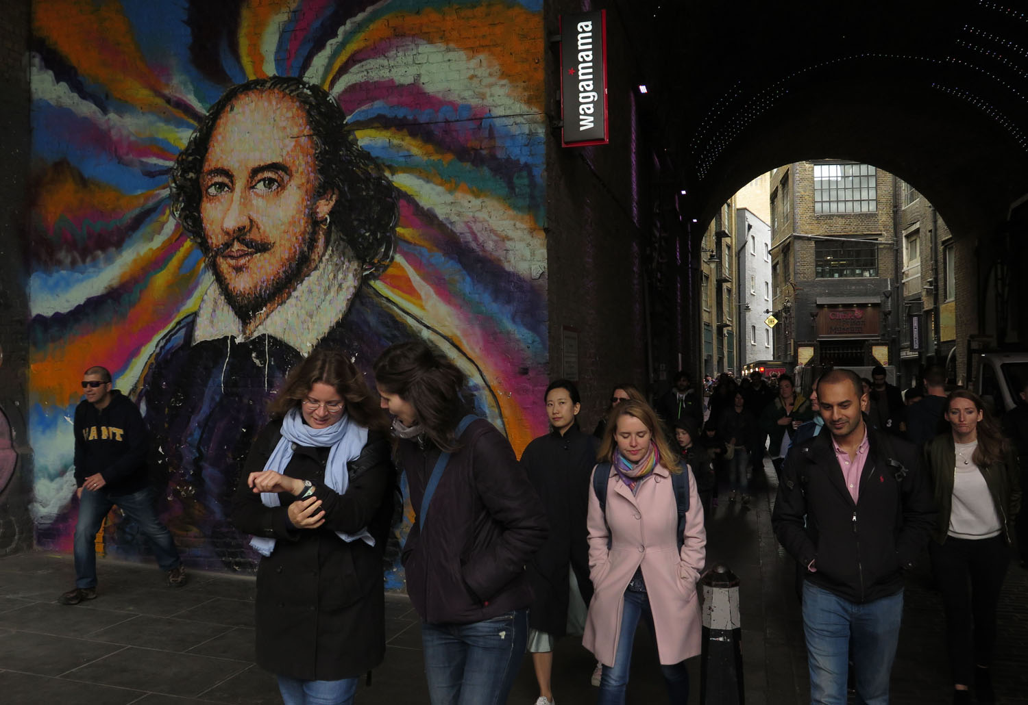 England-London-Street-Scenes-Shakespeare-Mural