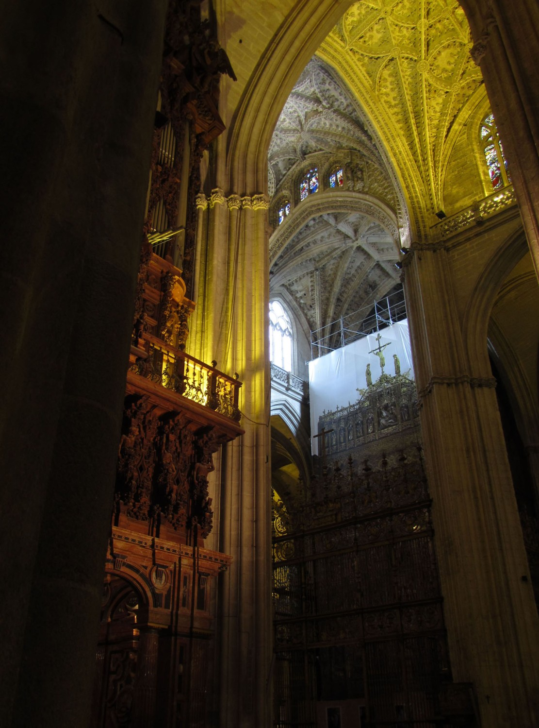 Spain-Sevilla-Cathedral-Interior