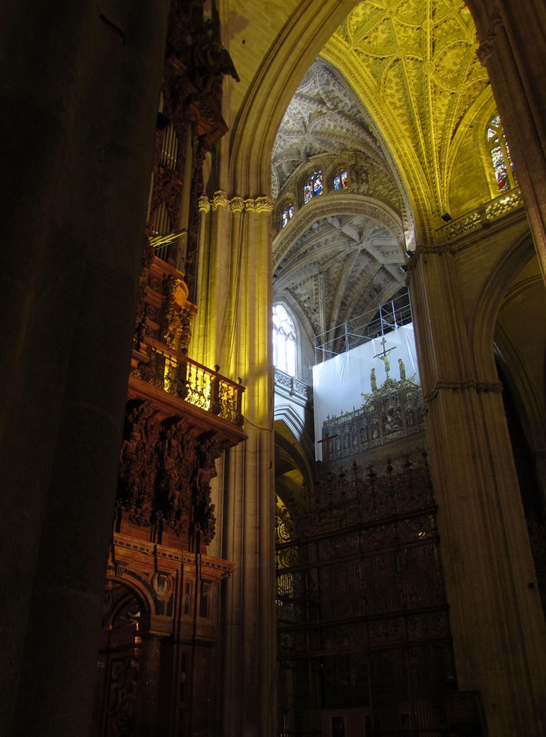 Spain-Sevilla-Cathedral-Interior