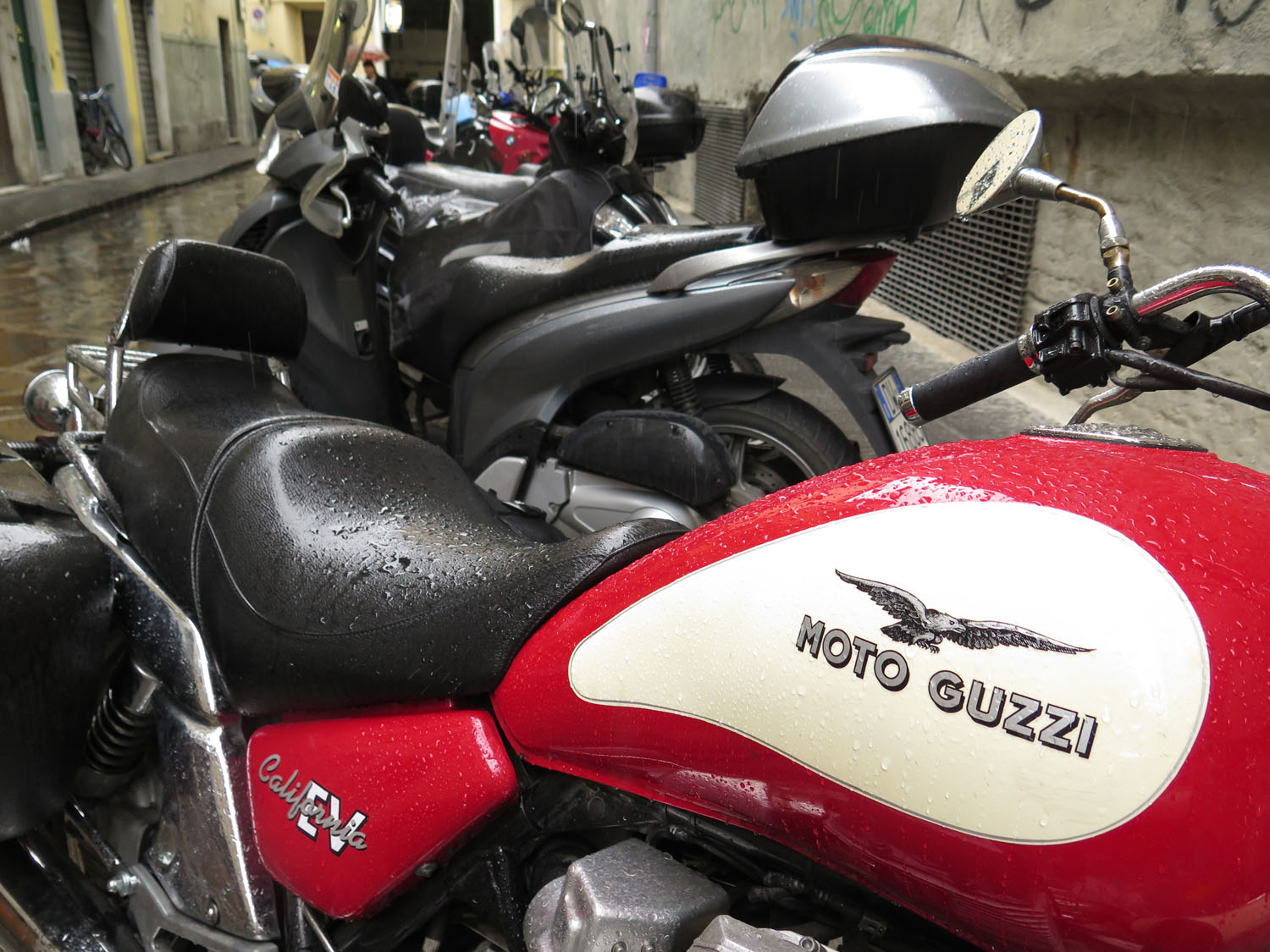 Italy-Florence-Street-Scenes-Motorcycles
