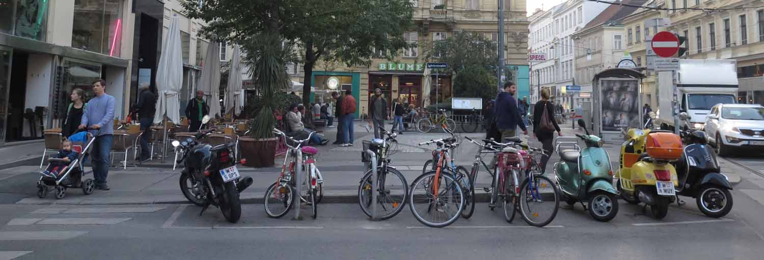Austria-Vienna-Street-Scenes-Bicycles