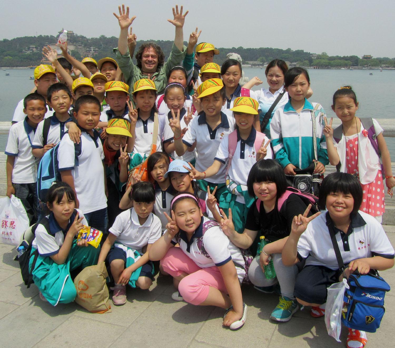China-Beijing-Summer-Palace-Students