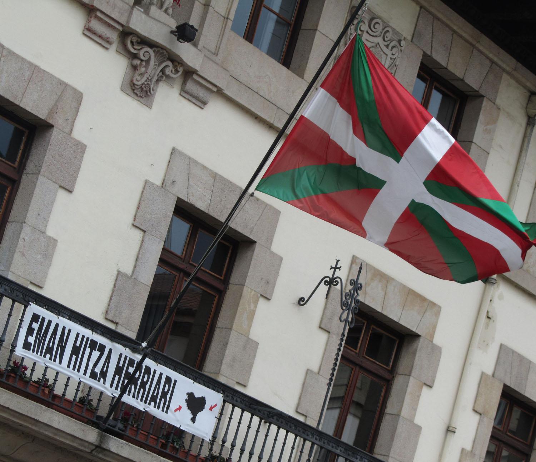Spain-Gernika-ETA-Flag