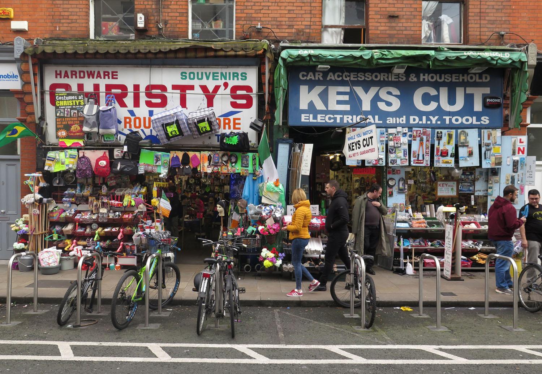 Ireland-Dublin-Street-Scenes-Shops