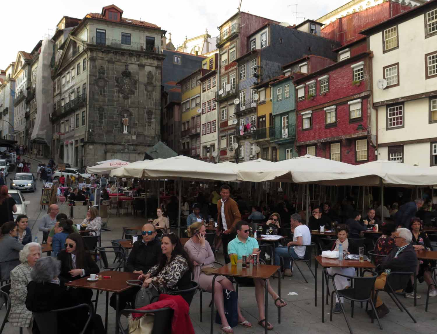 portugal-porto-cafe-lifestyle