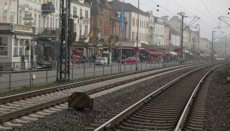 Germany-Rhine-River-Valley-Rudesheim-Railroad-Tracks