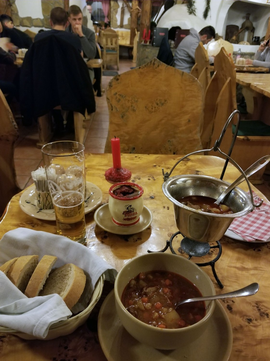Hungary-Budapest-Food-And-Drink-Goulash