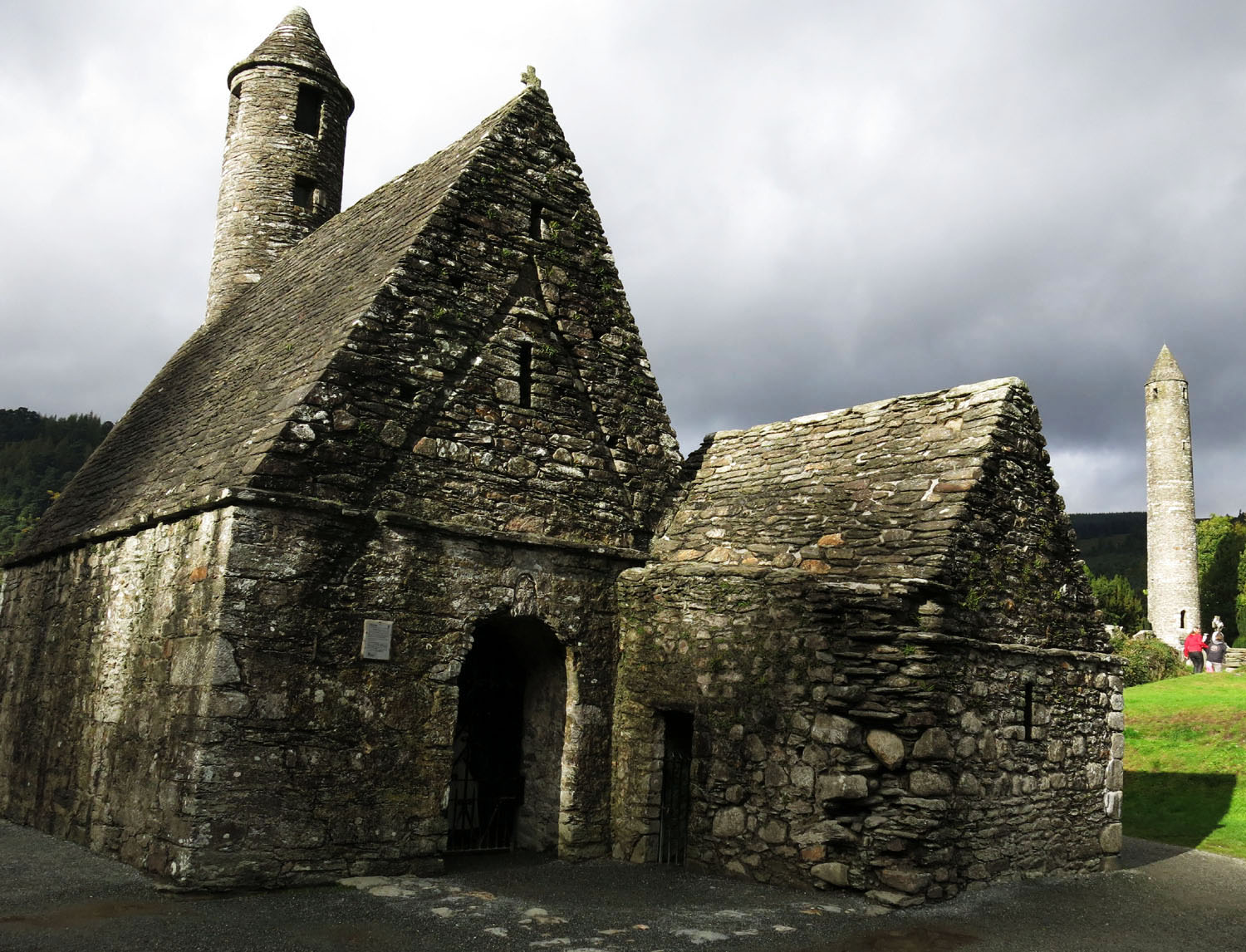 Ireland-Sights-And-Scenery-Glendalough-Church-Tower