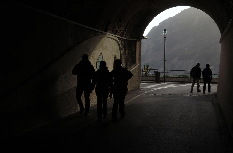 Italy-Cinque-Terre-Street-Scenes-Tunnel
