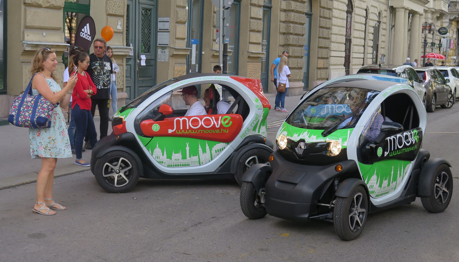 hungary-budapest-street-scenes-electric-cars