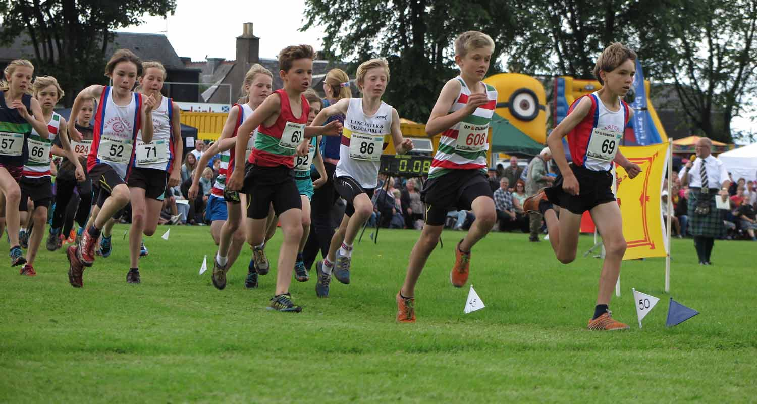 Scotland-Highlands-Highland-Games-Alva-Running