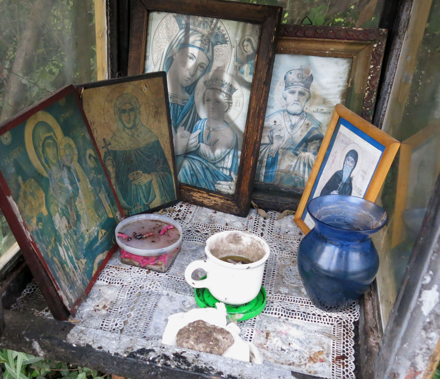 Greece-On-The-Road-Shrine