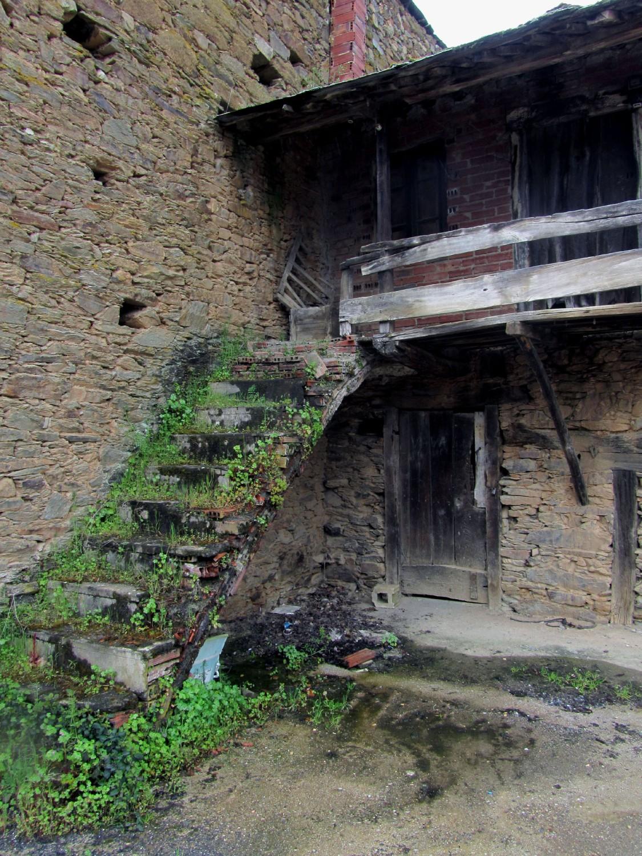 Camino-De-Santiago-Sights-And-Scenery-Steps
