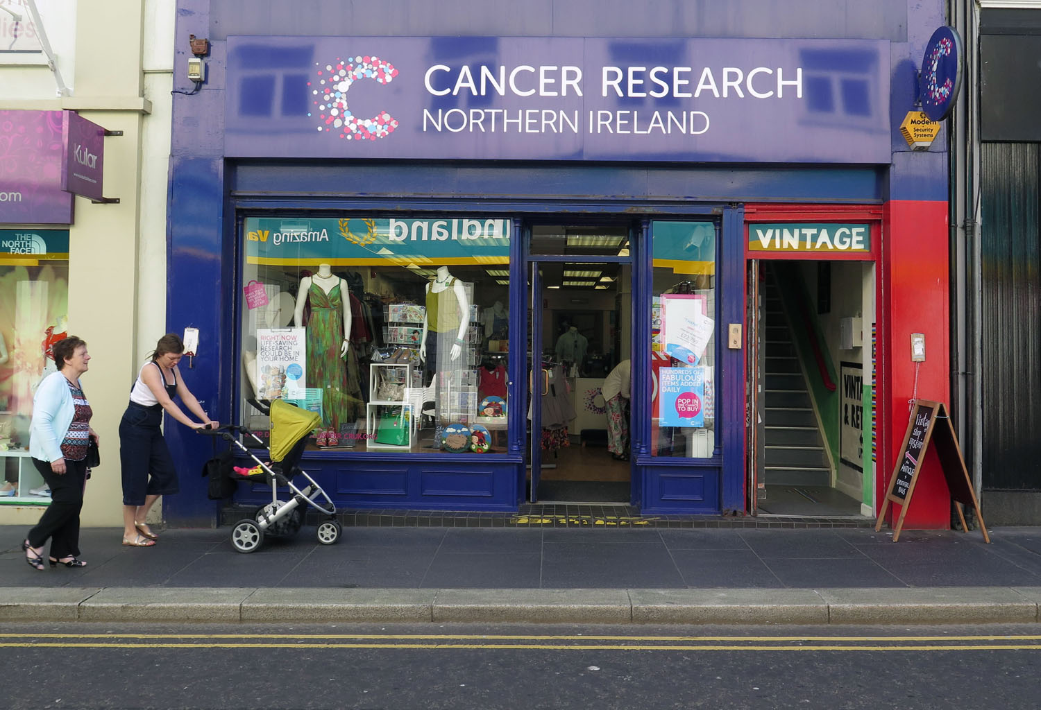Northern-Ireland-Derry-Londonderry-Street-Scenes-Charity-Shop