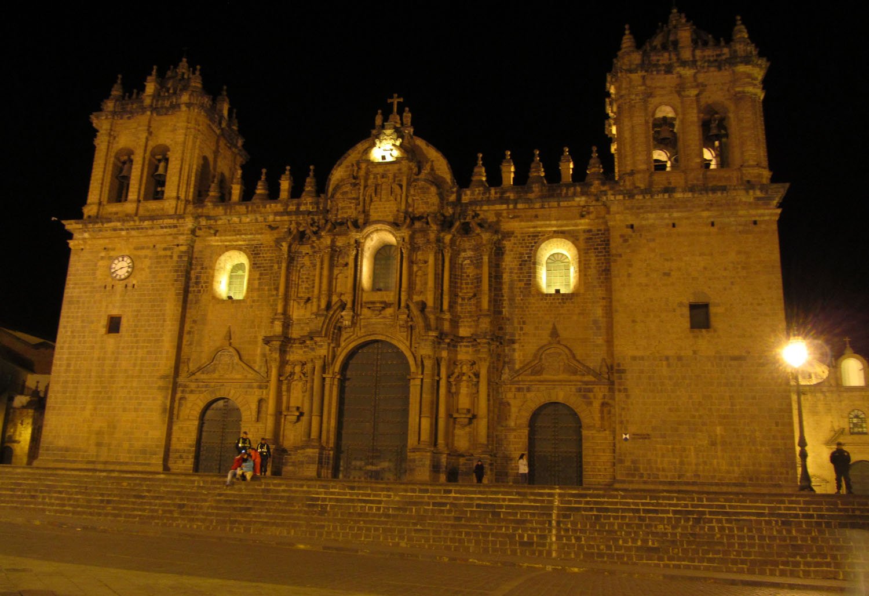 Peru-Cusco-Plaza-De-Armas-Night