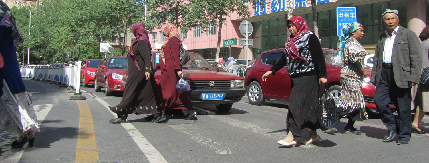 China-Urumqi-Uyghur-Ladies