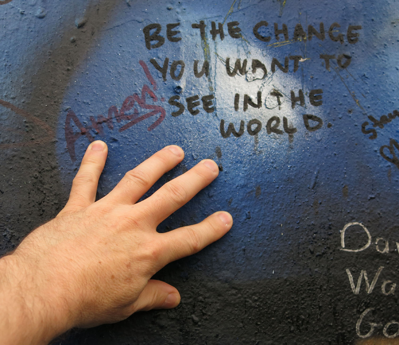 Northern-Ireland-Belfast-The-Troubles-Peace-Wall-Loyalist-Side